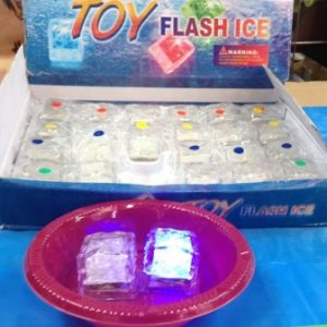 קוביית קרח מהבהבת באורות | קוביות קרח זוהרות | אביזרים למסיבות