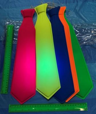 עניבה למסיבות   עניבה זוהרת באולטרה