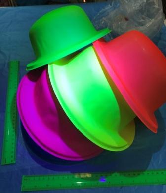 כובע מסיבות   כובעים זוהרים באולטרה