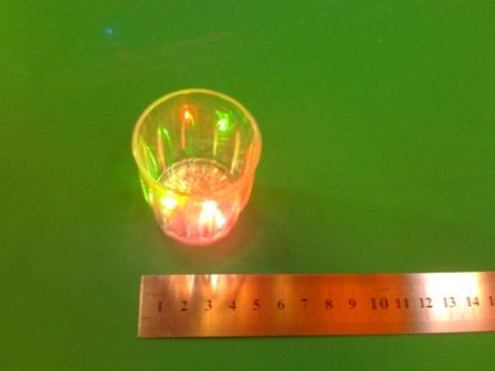 כוס אורות מהבהבת | כוסות צ'ייסר עם אורות | אביזרים למסיבות