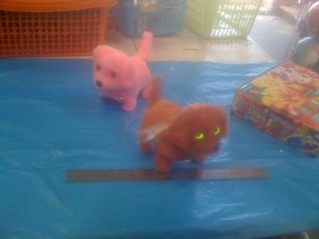 כלב אור נובח   צעצועים בסיטונאות