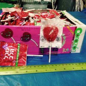 יום האהבה, ממתקים, סוכריה על מקל