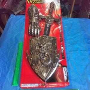 תחפושת אביר, חרב ומגן