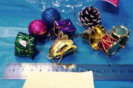 """קישוטי עץ חג המולד, קישוטים לתליה, מארז 9 י""""ח"""