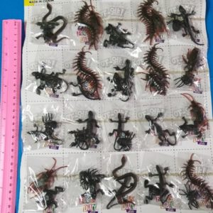 חרקים זוחלים מפלסטיק