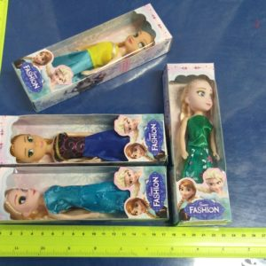 בובה אנה או בובה אלזה | בובה בקופסה קטנה