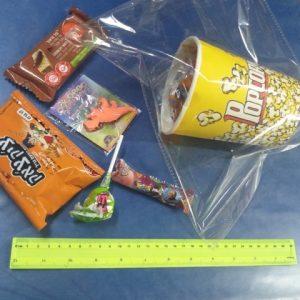 משלוח מנות במארז כוס פופקורן | משלוח מנות לפורים ושקית ממתקים מפוארת